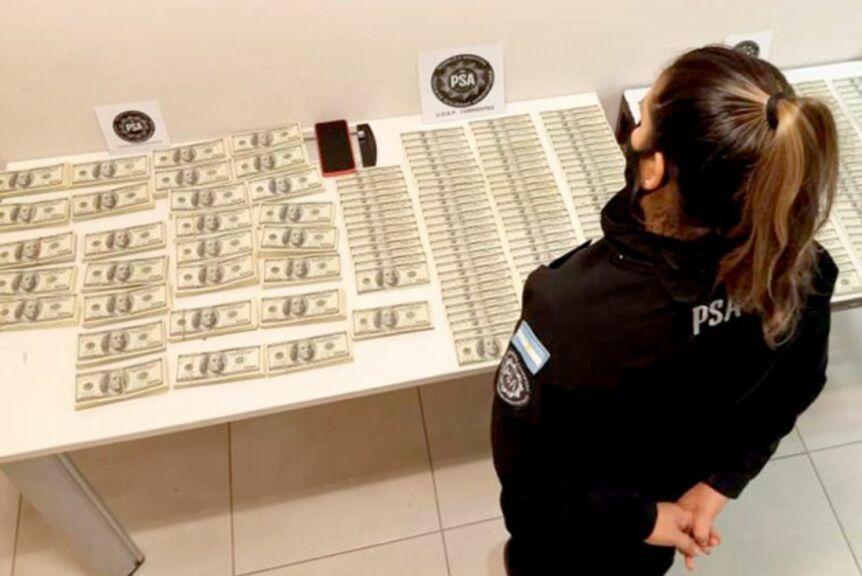 Lavado de activos en Corrientes: Policía Aeroportuaria secuestró 430.000 dólares 1