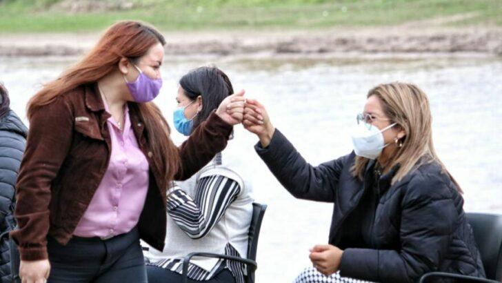 Magda Ayala oficializó un histórico pase a planta a 41 agentes municipales