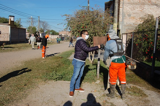 Resistencia: Gustavo Martínez monitoreó los trabajos de saneamiento en la zona del barrio 240 Viviendas