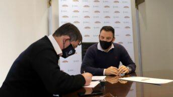 Basail: Lotería Chaqueña construirá una cancha de fútbol 5 de césped sintético