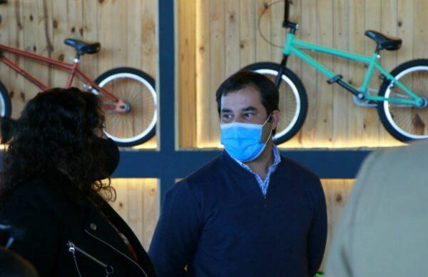 Capitanich visitó una fábrica de bicicletas que busca ampliar su planta de empleados 1