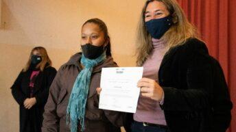 En Fontana, el Gobierno entregó certificados RUBH a familias del barrio Balastro I
