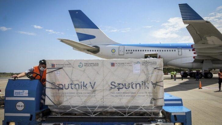 Este viernes llega una nueva misión de Aerolíneas Argentinas con vacunas Sputnik V
