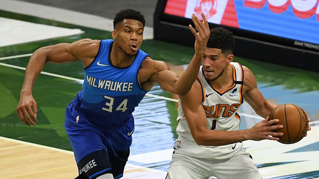 Phoenix y Milwaukee inician la búsqueda del anillo de campeón de la NBA