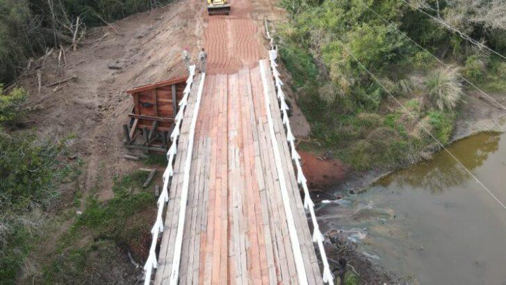 Repararon el puente sobre el río Tragadero