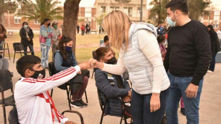 General Pinedo: María Luisa Chomiak acompaño la campaña de vacunación contra Covid 19