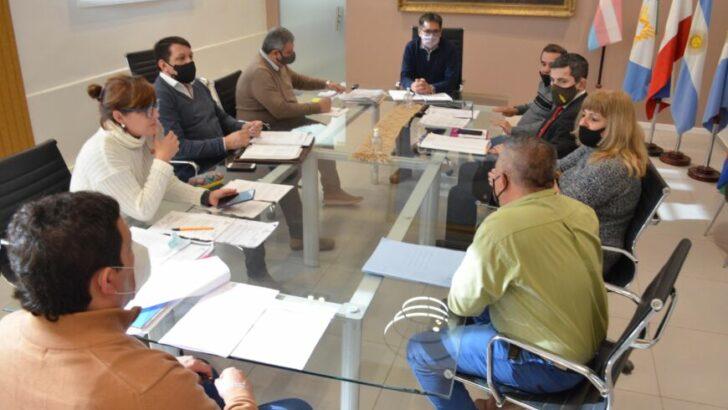 Resistencia: el intendente y taxistas buscan alternativas para agilizar trámites de renovación y permisos