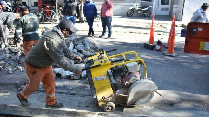 Resistencia: el Municipio ejecuta bacheo en calles céntricas y zona de sanatorios
