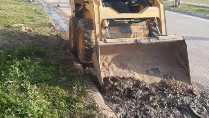 Saneamiento ambiental en el Gran Resistencia: trabajadores del Equipo Hábitat continúan recuperando espacios públicos