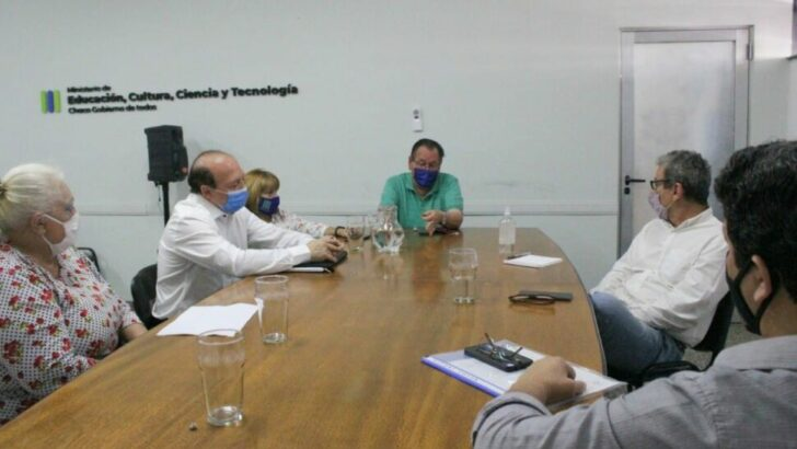 Aldo Lineras dio inicio a los diálogos con diferentes sindicatos docentes