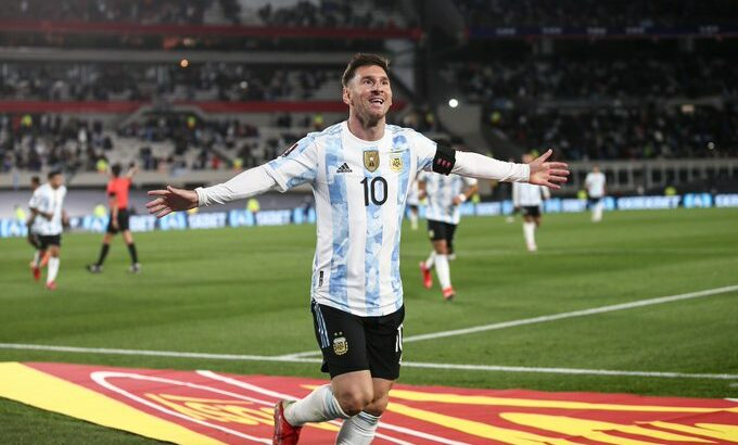Argentina goleó a Bolivia, y Messi tuvo su noche brillante, con los 3 goles para la selección