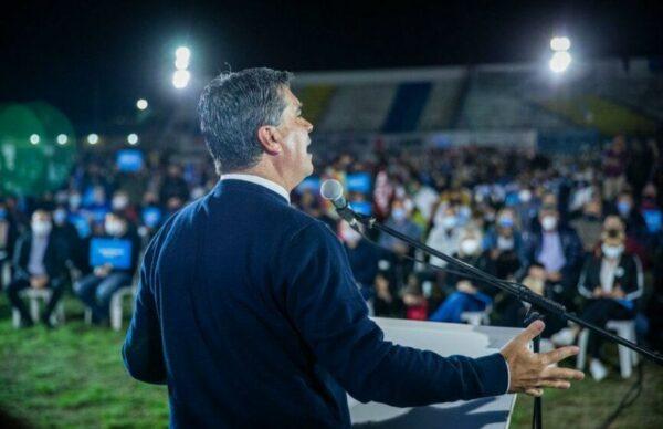 """Cierre de campaña del FDT: Capitanich pidió """"terminar con los desencuentros del pasado y defender los intereses de Chaco"""" 5"""