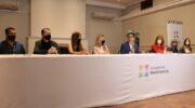 """""""Club al Día"""": Gustavo Martínez firmó convenios con cuatro clubes para el canje de deudas a cambio de difusión de campañas contra la violencia de género"""
