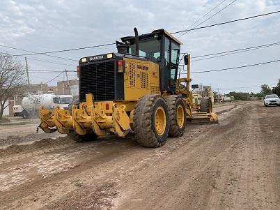 El Municipio capitalino realizó un nuevo operativo de mantenimiento de calles de tierra en Villa Luisa