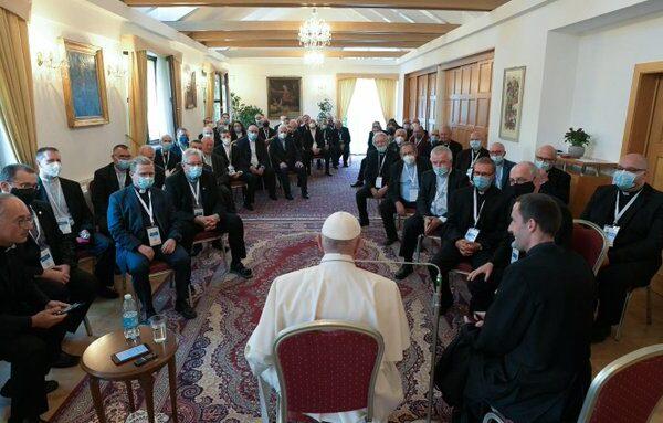 El Papa Francisco pidió que los países no se aíslen en la pospandemia y rechazó el antisemitismo 1