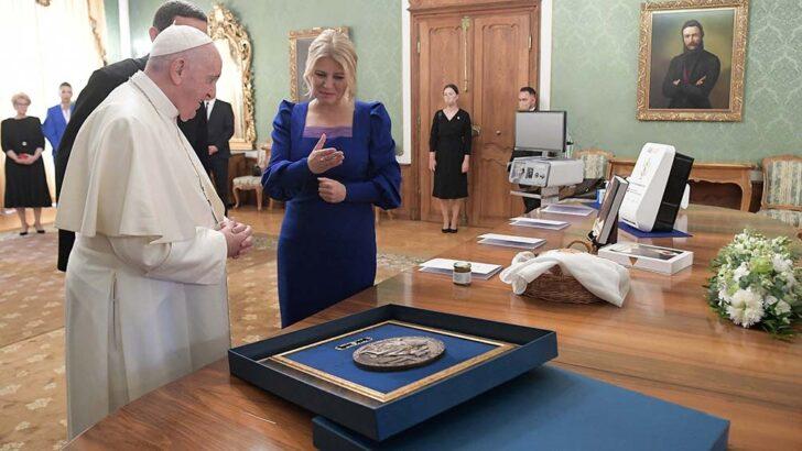 El Papa Francisco pidió que los países no se aíslen en la pospandemia y rechazó el antisemitismo