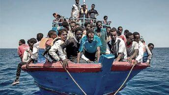 Reino Unido y Francia tensan la cuerda por el cruce de inmigrantes en el Canal de la Mancha