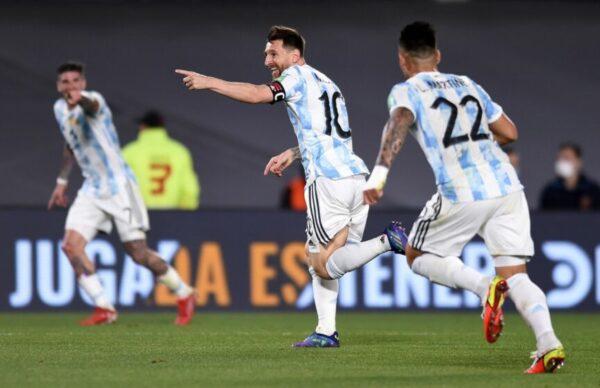 Argentina goleó a Uruguay y está cada vez más cerca de Qatar 1