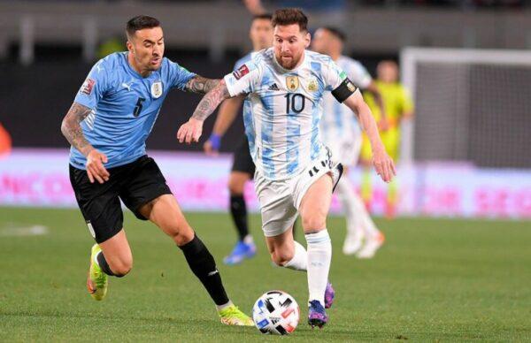Argentina goleó a Uruguay y está cada vez más cerca de Qatar 4