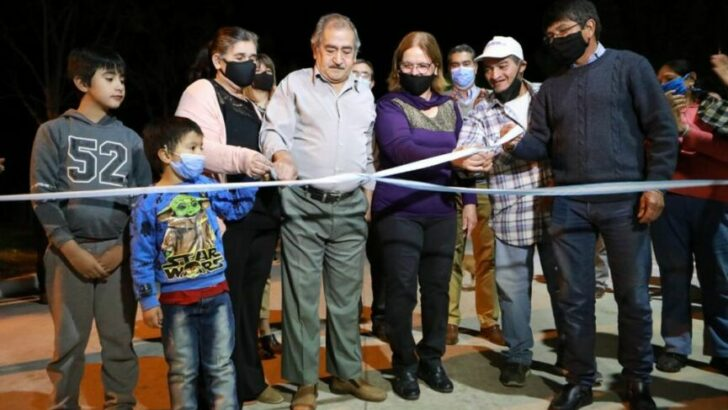 Colonia Benítez: Capitanich inauguró seis nuevas cuadras de pavimento para la localidad