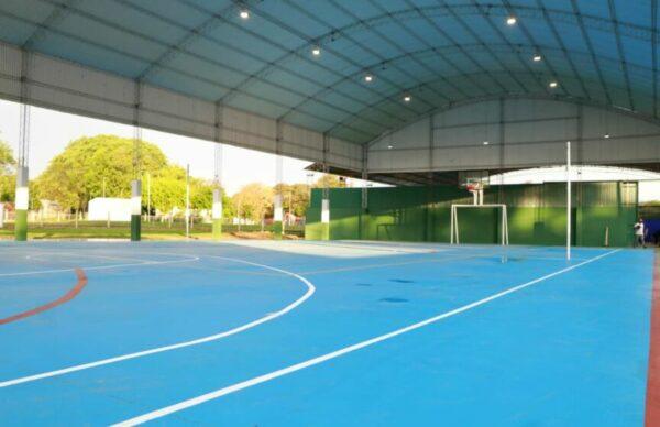 En la Isla del Cerrito, Capitanich inauguró un nuevo playón deportivo y recorrió diversas obras 1
